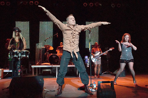 Fred Schneider, B-52s - Photo © Manuel Nauta