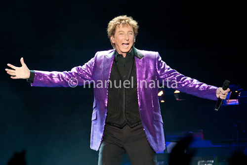 Barry Manilow performs in San Antonio  © manuel nauta