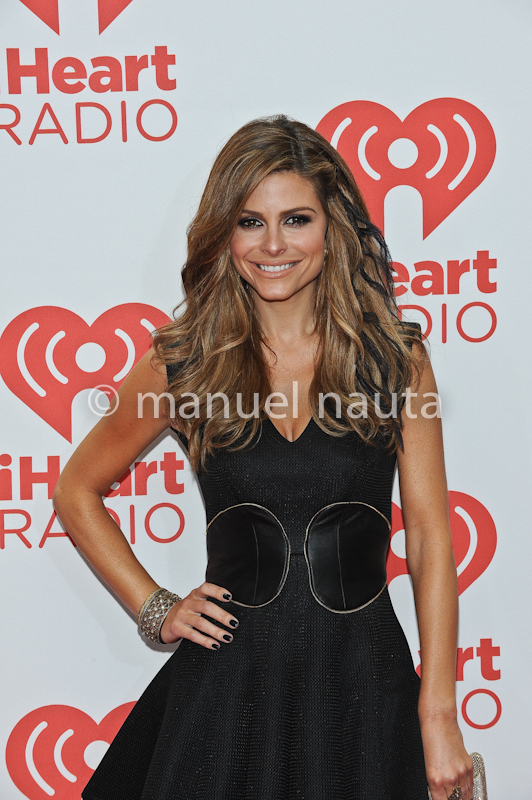 Maria Menounos poses backstage during the 2013 iHeartRadio Music Festival