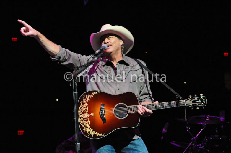 Alan Jackson performs at the San Antonio Rodeo