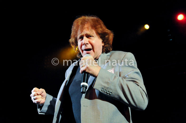 Eddie Money performs at the Aztec Theater in San Antonio, Texas - © Manuel Nauta