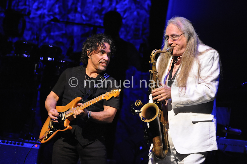 John Oates (L) with Charles DeChant of Hall & Oates performs in concert at ACL Live at Moody Theater on February 23, 2014 in Austin, Texas - USA