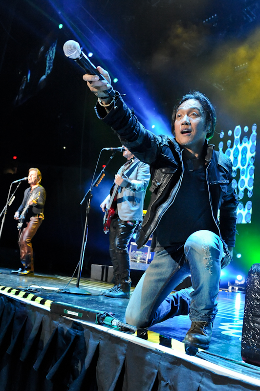 Arnel Pineda with Journey / Photo © Manuel Nauta