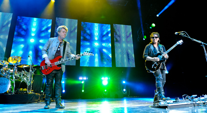 Ross Valory (L) and  Neal Schon with Journey  / Photo © Manuel Nauta