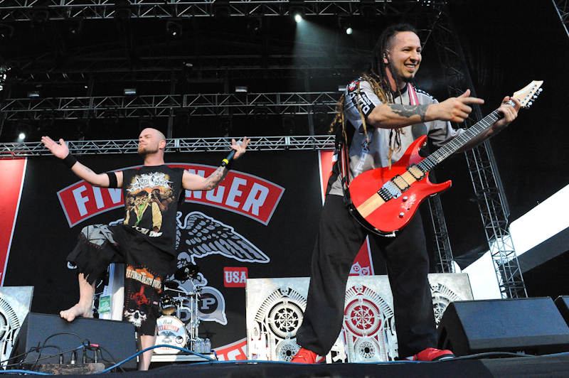 Ivan Moody (L) and Zoltan Bathory with Five Finger Death Punch /Photo © Manuel Nauta