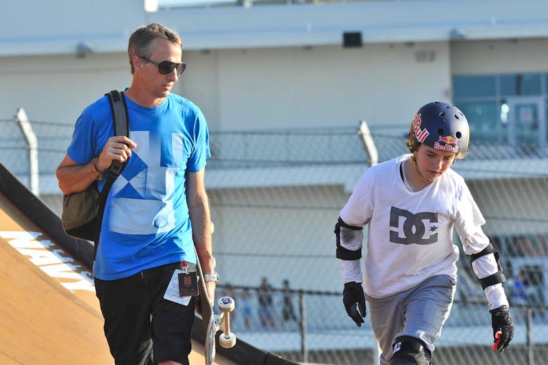Tony Hawk (L) and Gold Medalist Tom Schaar at Skateboard Big Air / Photo © Manuel Nauta