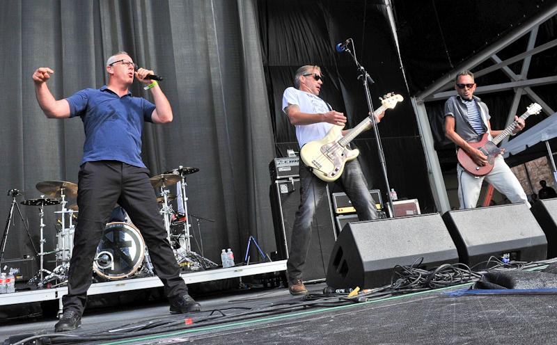 (L-R) Greg Graffin, Jay Bentley and Brett Gurewitz of Bad Religion / Photo © Manuel Nauta