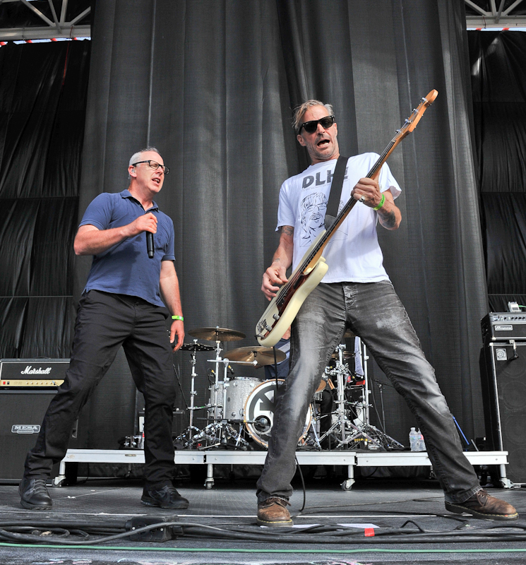 Greg Graffin (L) and Jay Bentley of Bad Religion / Photo © Manuel Nauta