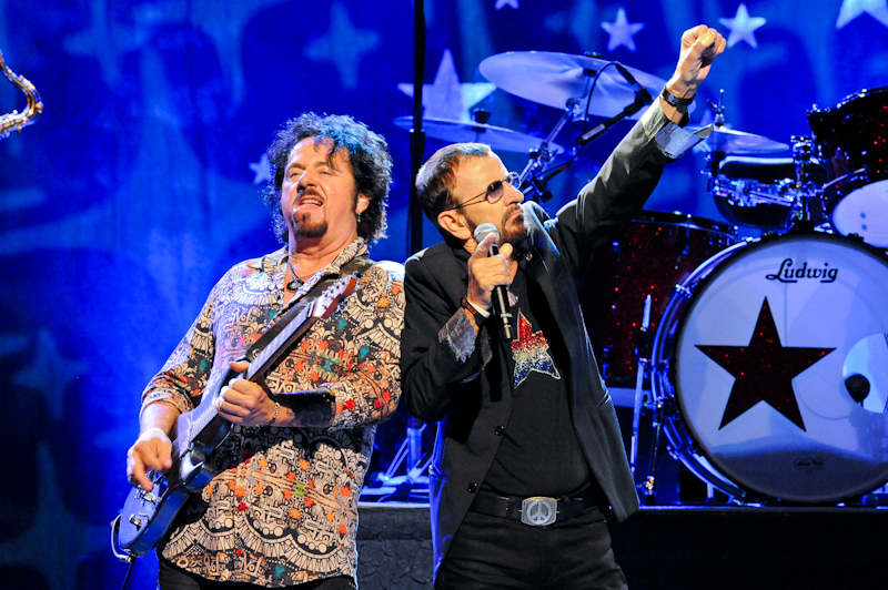 Steve Lukather (L) and  Ringo Starr live in Austin - Photo © Manuel Nauta