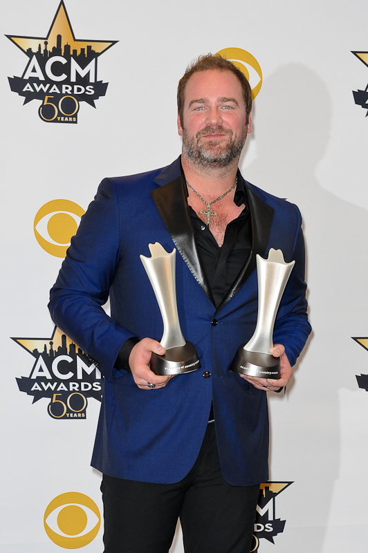 Lee Brice, winner of the Single Record of the Year Award for 'I Don't Dance', poses in the press room at the 50th Academy Of Country Music Awards at AT&T Stadium on April 19, 2015 in Arlington, Texas. Photo © Manuel Nauta