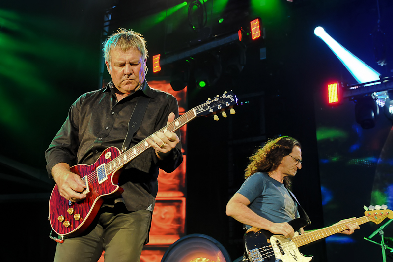 Alex Lifeson and Geddy Lee of Rush / Photo © Manuel Nauta