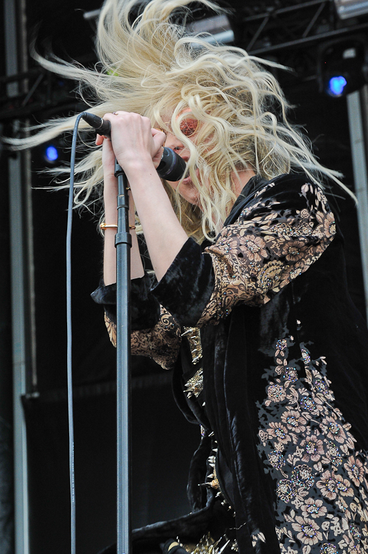 Taylor Momsen with The Pretty Reckless performs onstage during River City Rockfest at the AT&T Center on May 24, 2015 in San Antonio, Texas. Photo © Manuel Nauta