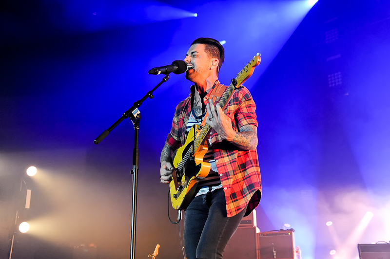Chris Carrabba with the band Dashboard Confessional performs at Cedar Park Center on July 3, 2015 in Cedar Park, Texas. Photo © Manuel Nauta