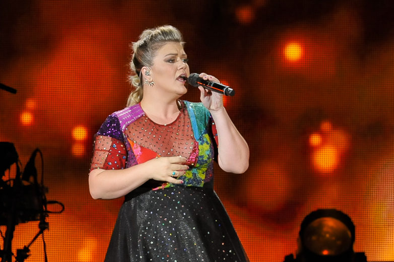 Kelly Clarkson performs at the Austin360 Amphitheater during her Piece by Piece Tour on August 29, 2015 in Austin, Texas. Photo © Manuel Nauta