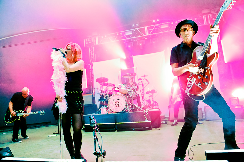 (L-R) Steve Marker, Shirley Manson, Butch Vig and Duke Erikson of the band Garbage perform in concert at Stubb's on October 14, 2015 in Austin, Texas. Photo © Manuel Nauta