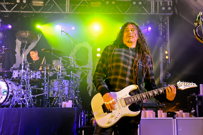 (L) Ray Luzier and James 'Munky' Shaffer with the band KORN perform in concert at Stubb's on October 19, 2015 in Austin, Texas. Photo © Manuel Nauta
