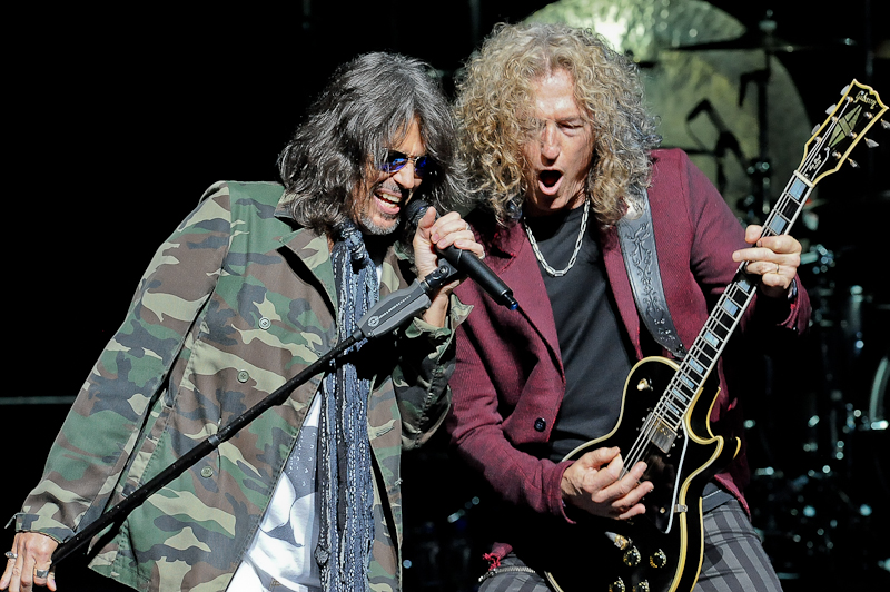 Kelly Hansen (L) and Bruce Watson of Foreigner perform in concert at ACL Live on April 21, 2016 in Austin, Texas. Photo © Manuel Nauta