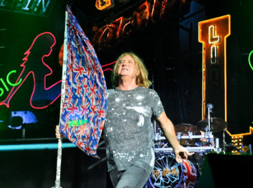Joe Elliott of the band Def Leppard performs in concert at Austin 360 Amphitheater on August 19, 2016 in Austin, Texas. Photo © Manuel Nauta