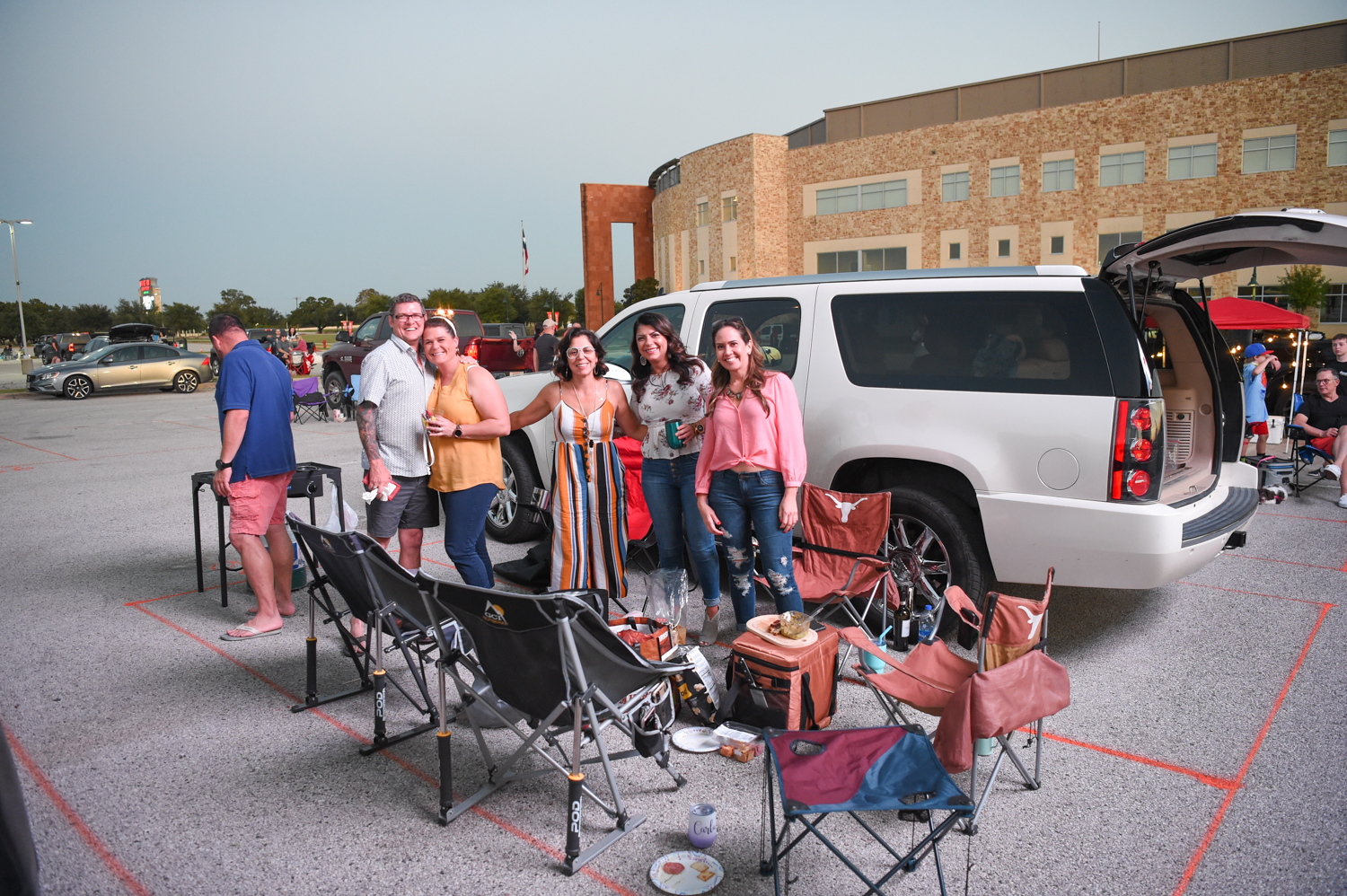Guest tailgaiting at the Sister Hazel and Everclear socially distancing drive-in concert at the HEB Center at Cedar Park, in Cedar Park Texas on October 2, 2020. Photo © Manuel Nauta