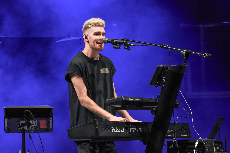 Colton Dixon performs in concert at the H-E-B Center Center in Cedar Park, Texas on October 09, 2020. Photo © Manuel Nauta