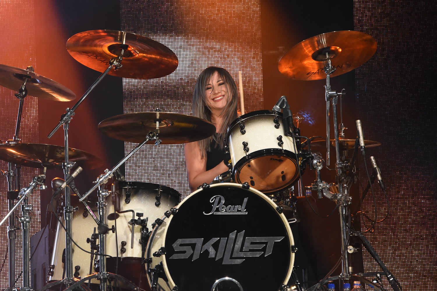 Jen Ledger performs a social distancing tailgate concert with the Christian Rock band Skillet at the H-E-B Center in Cedar Park, Texas on October 9, 2020. Photo © Manuel Nauta