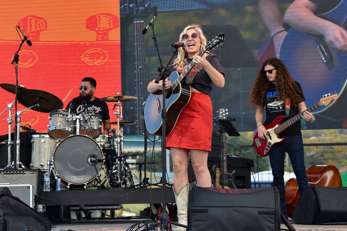 Elaina Kay performs in concert during the River and Blues Festival at the Panther Island Pavilion in Fort Worth Texas on November 13, 2020. Photo © Manuel Nauta