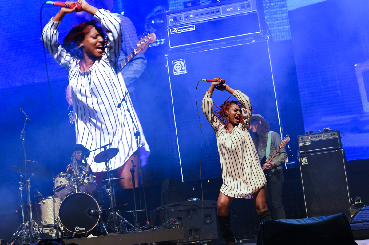 Tikyra Jackson (L), Tierinii Jackson (C) and Gage Markey (R) with the band Southern Avenue perform in concert during the River and Blues Festival at the Panther Island Pavilion in Fort Worth Texas on November 13, 2020. Photo © Manuel Nauta