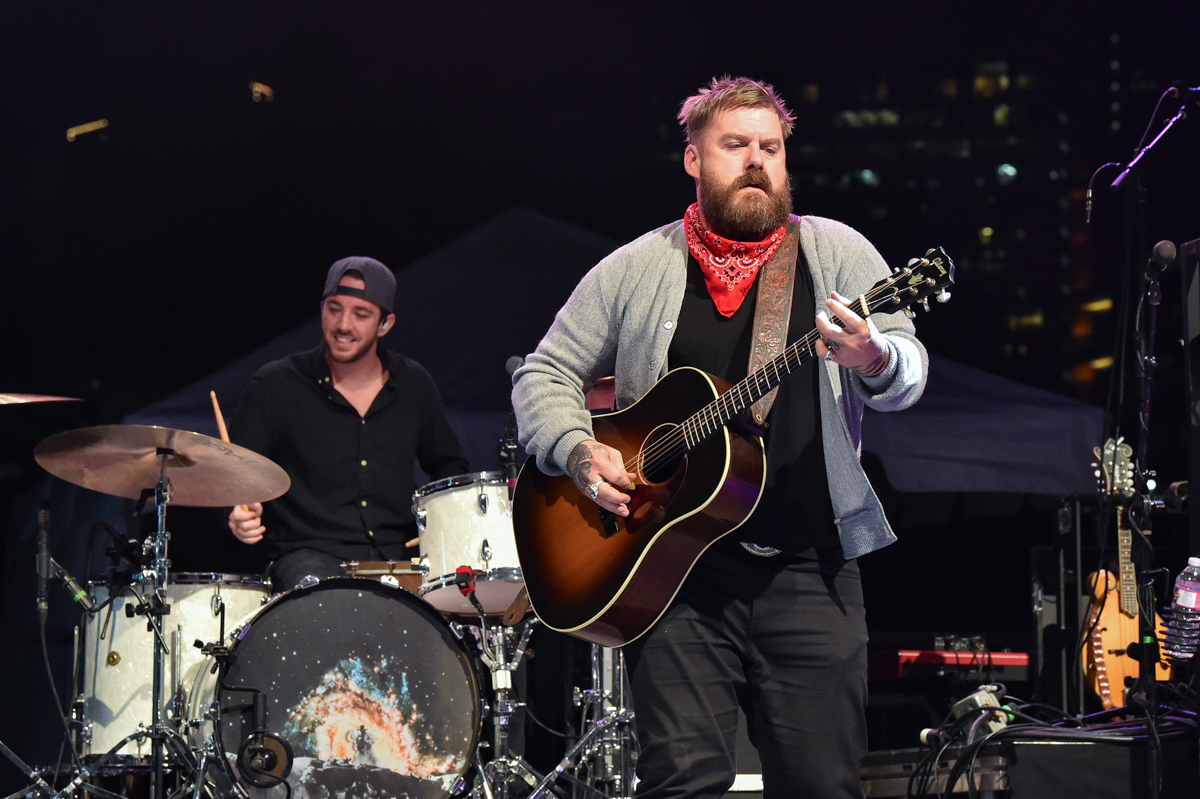 Drew Campbell (L) and Bart Crow (R) perform in concert during the River and Blues Festival at the Panther Island Pavilion in Fort Worth Texas on November 14, 2020. Photo © Manuel Nauta