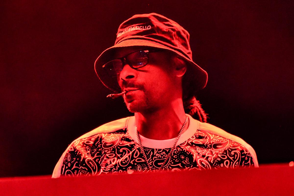 "CEDAR PARK, TEXAS - JULY 01: Rapper Snoop Dogg performs in concert during ""Snoop Dogg VS DJ Snoopadelic"" at the H-E-B Center on July 01, 2021 in Cedar Park, Texas. Photo © Manuel Nauta"